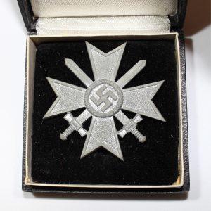 Medalla Cruz al Merito Militar con Espadas