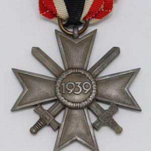 cruz al merito militar 2ª clase
