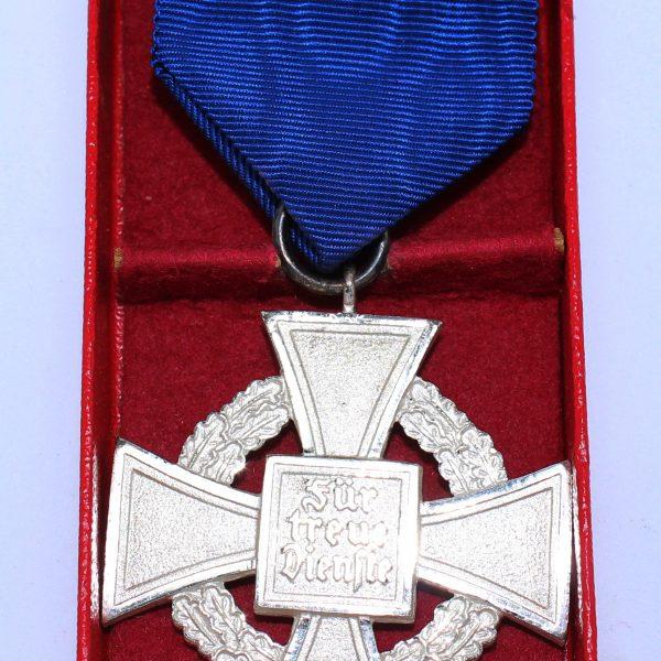 medalla 25 años leal servicio