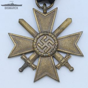Medalla Cruz al Mérito Militar con Espadas kvk