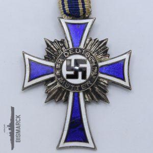Cruz a la Madre Alemana