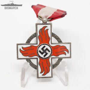 Cruz por Meritos en el Servicio de Bomberos