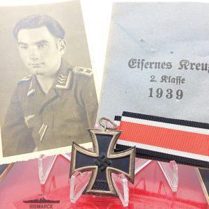 Cruz de Hierro 1939 con sobre y fotografía