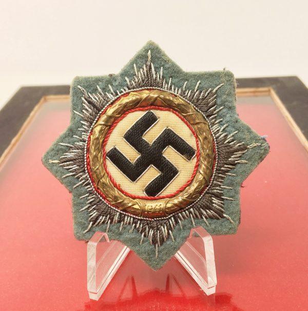 Cruz Alemana en Oro en tela