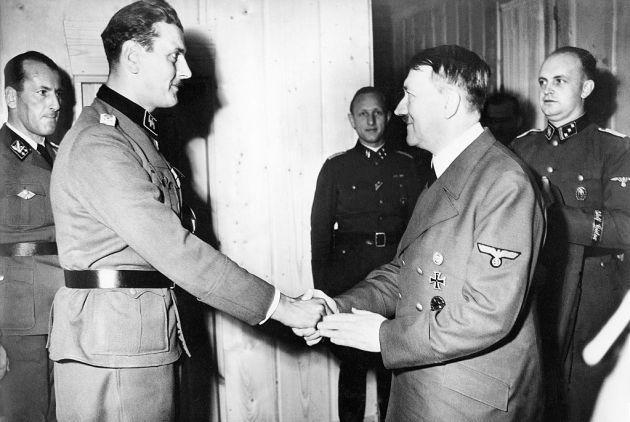 skorzeny con Hitler