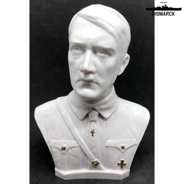 busto hitler uniforme blanco