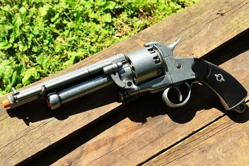 revolver-lemat-secesion