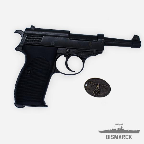 Walther P38 NEGRA + CHAPA DE LA GESTAPO