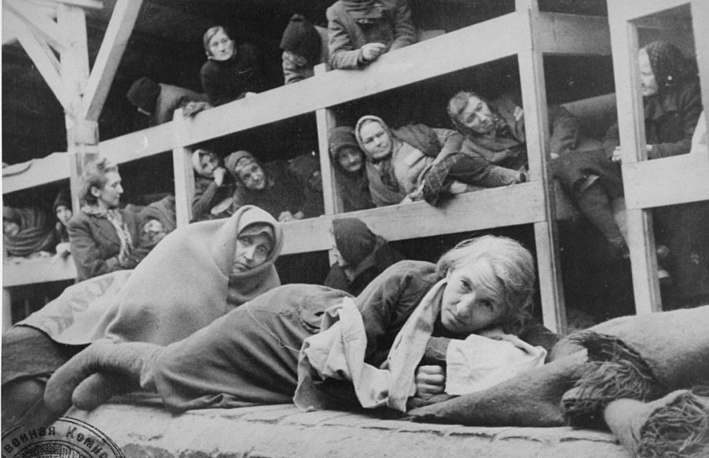 Cruz de Auschwitz, para supervivientes de los campos de concentración